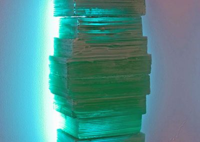 glass-sculpture-green-light
