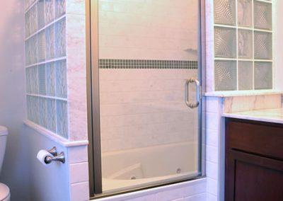shower-enclosure-custom-glass